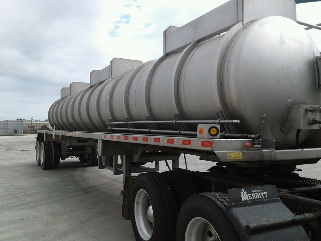 Liquid Vacuum Trailers for rent from ERS | ERS